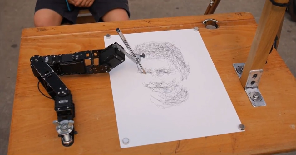 Robot dessinateur à Nantes Maker Campus